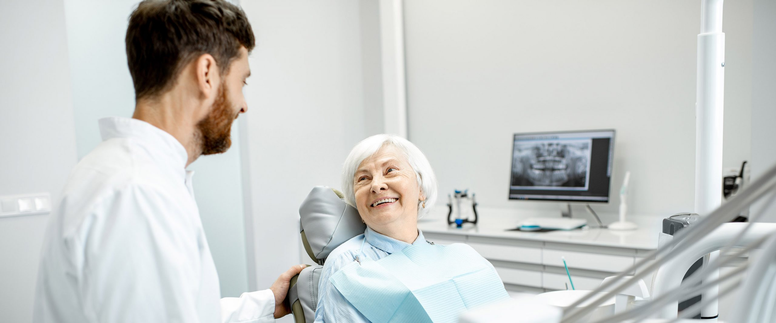 Treating edentulism: implant-retained overdenture vs implant-supported fixed dental prosthesis